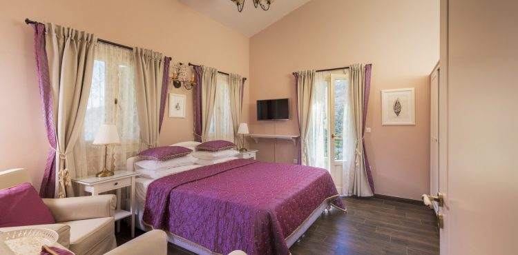 Τo Symi Nautilus Luxury Suites βρίσκεται σ' ένα απ' τα ομορφότερα και πιο γραφικά νησιά του συμπλέγματος των Δωδεκανήσων, τη Σύμη